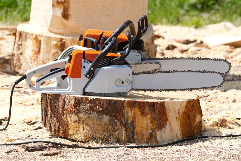 How To Clean An Electric Chainsaw?