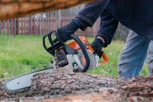 What to Do When Your Chainsaw Won't Start: Tips and Tricks for Electric Saws